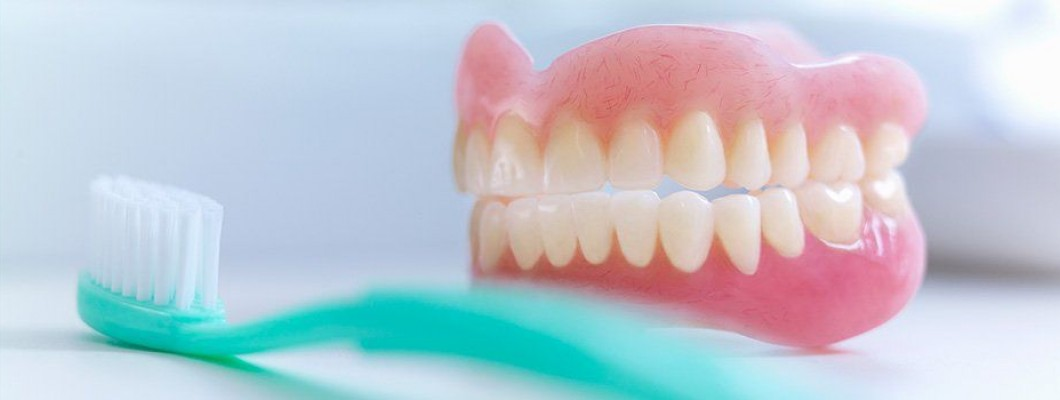 How do I clean Removable dentures? Do's and Don't !!!
